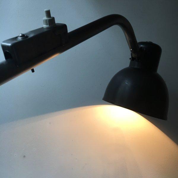 Hala 122 bakeliet bauhaus lamp 2