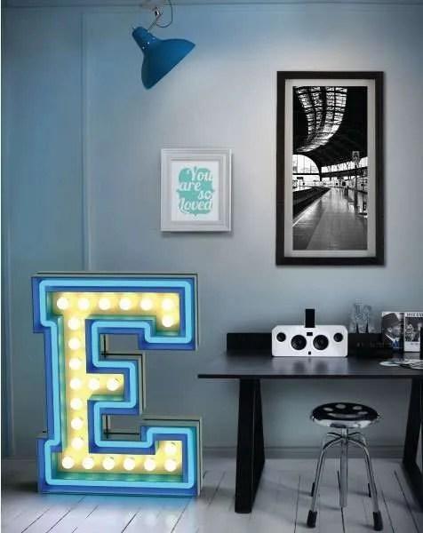 Delightfull letterlamp E in situ 2