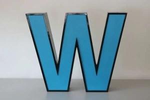 Letterlamp blauw letter W 1