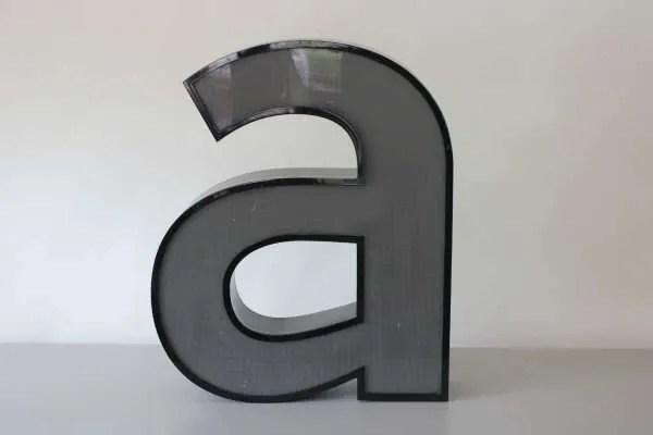 Letterlamp zwart letter a 1