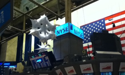 Nasdaq Soars to 4000, Dow Ends Monday at Record High