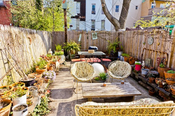 Brooklyn's chamber of commerce is working with Airbnb to improve tourism opportunities for their guests. A local host has given their backyard the hipster look travelers crave.