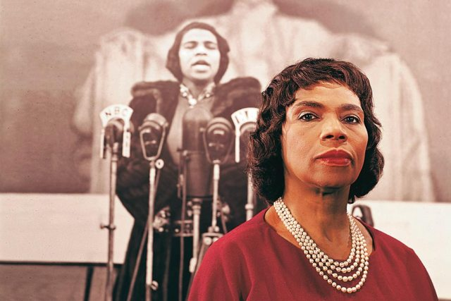 Marian Anderson, the black woman who ended he segregation of the New York Metropolitan Opera