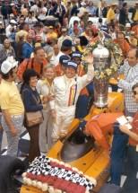 La última remontada, oficial, en la Indy 500 ocurrió en 1974, cuando Johnny Rutherford y su McLaren M16C vinieron de la posición 25 para liderar 122 de las 200 vueltas y ganarle a Bobby Unser por 22 segundos de diferencia (FOTO: IMS Photo)
