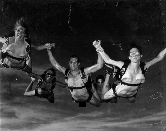 skydive naked