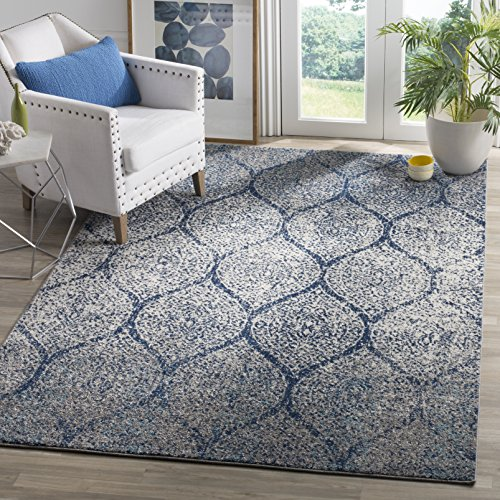 """Safavieh Madison Collection Navy and Silver Area Rug (6'7"""" x 9'2"""")"""