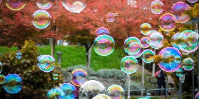 Povianočný výpredaj kryptomien, praskla bublina?