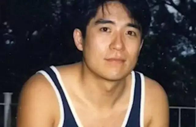 他是胖版梁朝偉,《替天行道之殺兄》等三級片,亦是三級片經典男星_騰訊網