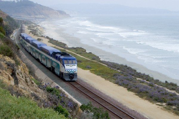 An NCTD COASTER train travels north along the LOSSAN corridor. Photo courtesy NCTD.