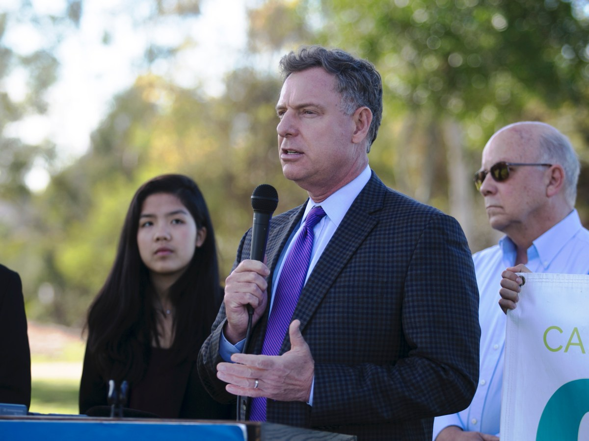 Rep. Scott Peters, D-San Diego, speaks at a news conference in Clairemont on Jan. 21, 2016. (Megan Wood/inewsource)