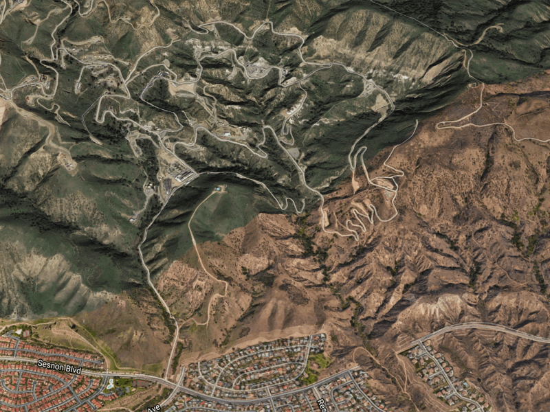 The community of Porter Ranch in Los Angeles County is shown at lower center. Above, in the hills, the Aliso Canyon Natural Gas Storage Field. Google Earth