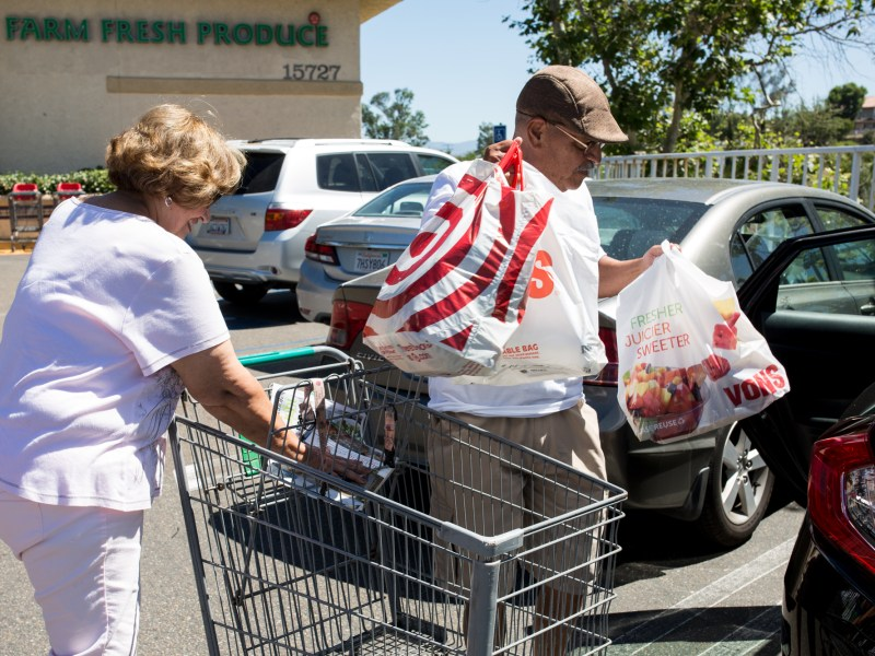 Oscar and Teri Lara shop for fresh food more frequently in their quest to lose weight and avoid diabetes. June 27, 2017. Megan Wood/inewsource