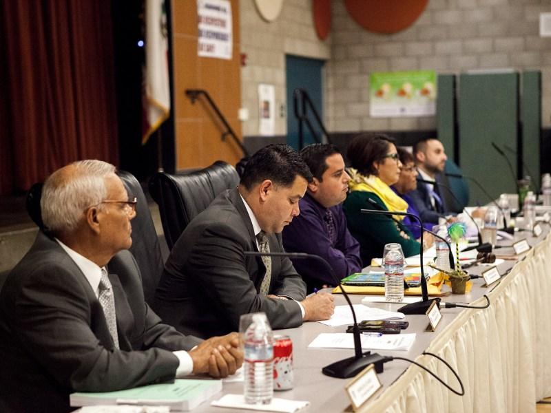 San Ysidro School District board members listen to public comment during a Nov. 9, 2017, meeting. (Leonardo Castañeda/inewsource)
