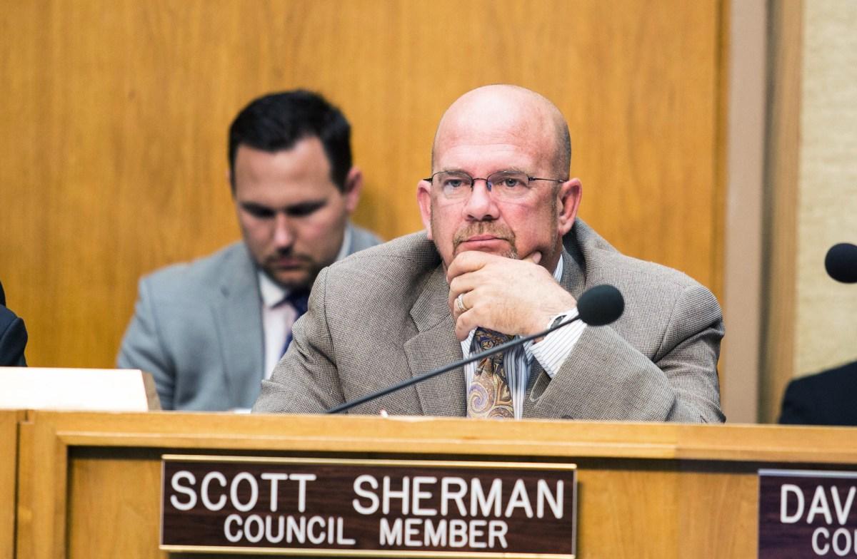 San Diego City Councilman Scott Sherman at a council meeting on June 1, 2015. (Megan Wood/inewsource)