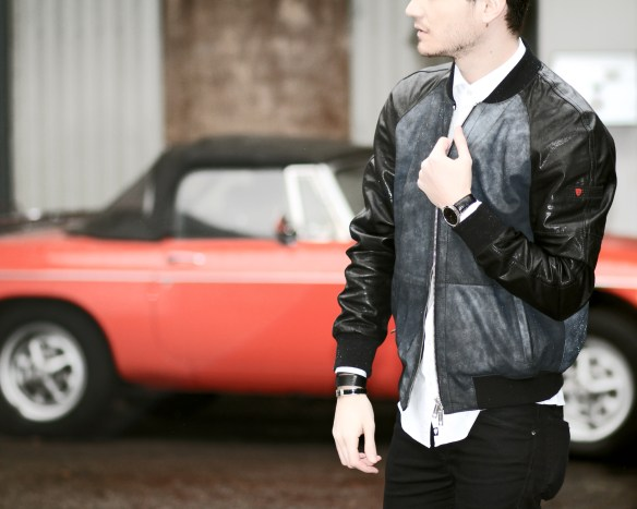infashionity menswear swiss fashion blog strellson brand leather jacket vintage red car