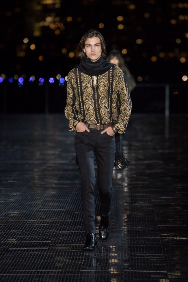 saint laurent menswear spring summer 19 collection anthon vacarello infashionity review paisley motif