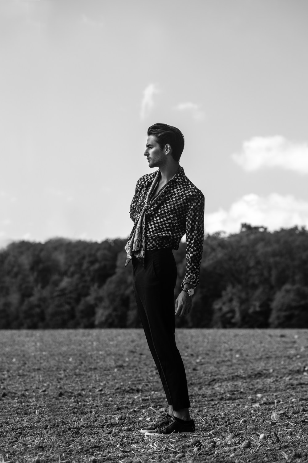 adrien guarino male mode square agency fashion editorial henri balit infashionity saint laurent silk shirt black white photography field