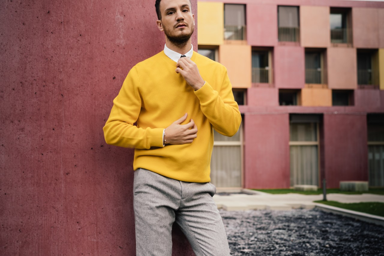 yellow sweater cos men's fashion blogger henri balit infashionity