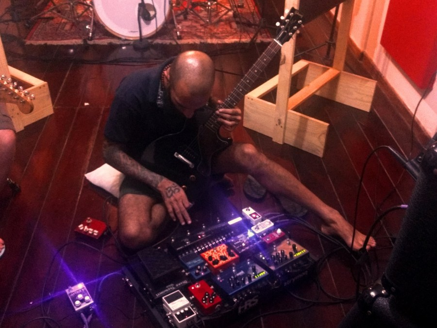 blackslug-old-habits-leonardo-timbres-guitarra