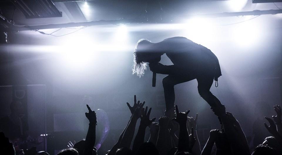 capa-festival-bandas-garage-pub-santo-de-casa-pixabay