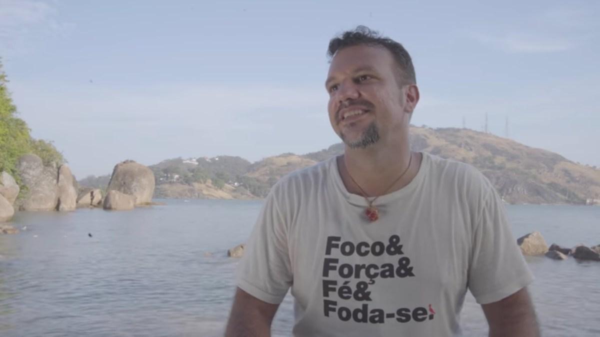 Gustavo Macacko grava música com Gabriel, o Pensador