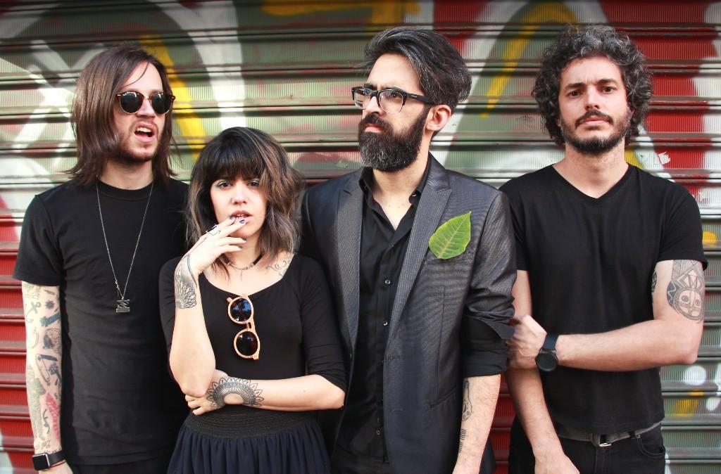 Supercombo anuncia show em Vila Velha com André Prando e Rufinos