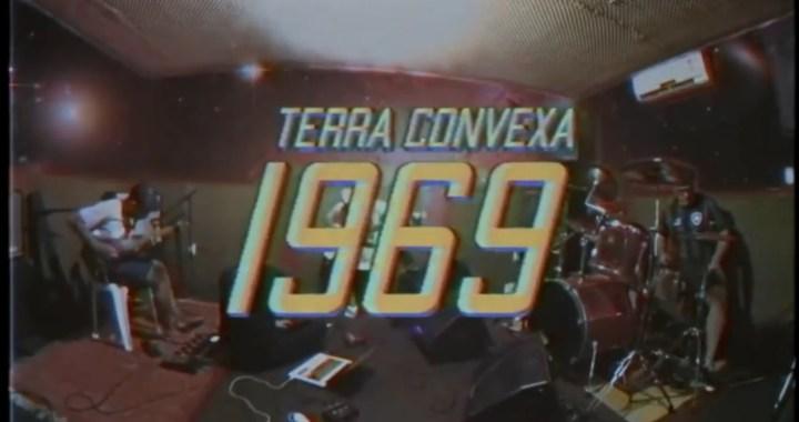 """Assista versão ao vivo da música """"1969"""" da banda Terra Convexa"""