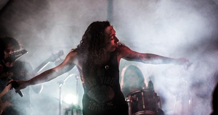 Heron Ribeiro fala sobre seu novo cargo de vocalista na banda The Devils