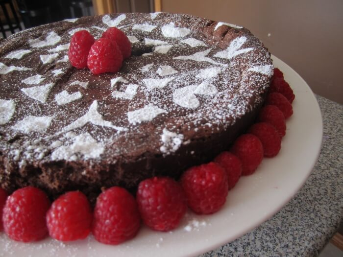 Flourless chocolate cake vegetarian gluten-free eggs chocolate cake