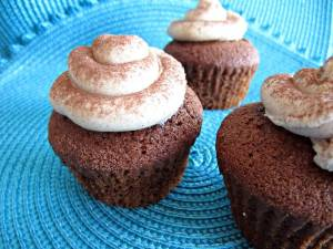 gingerbread-and-cinnamon-cupcakes.jpg