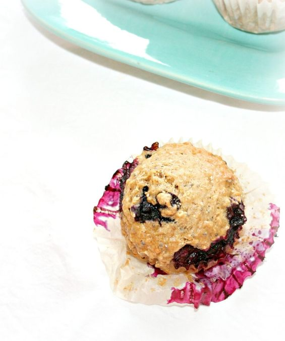 Quinoa muffins with chia and blueberry