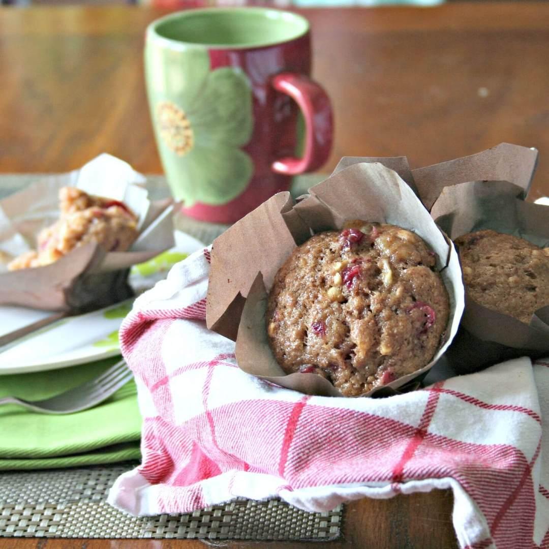 Cranberry and Cashew Breakfast Muffins #recipesfromtheheart vegan recipe Muffins cranberries cashews Breakfast