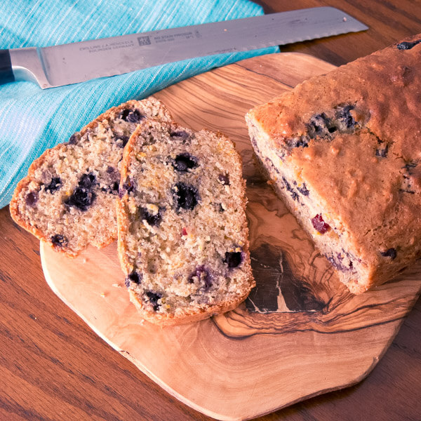 Lunch box food: Blueberry Citrus Loaf {vegan}