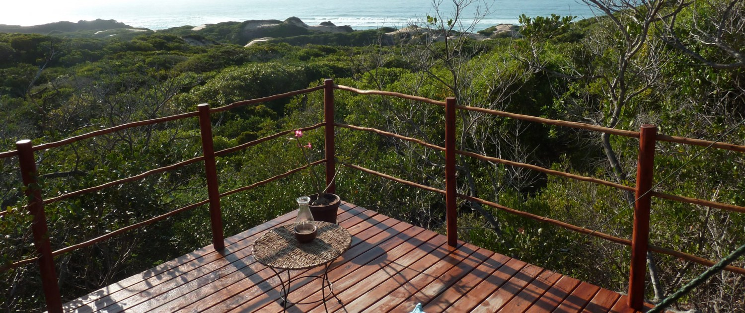 Infinite_Africa_Travel_Mozambique_Dunes_De_Dovela_Deck_Sea_Views