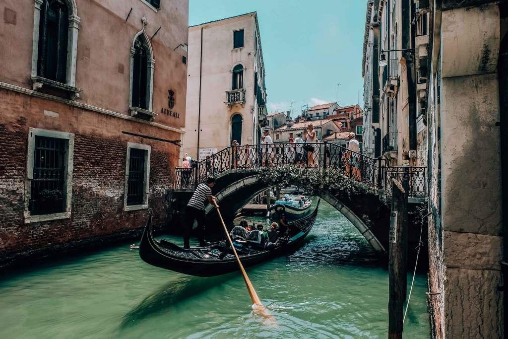 Venecia, puentes, sillas de ruedas