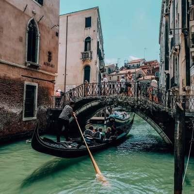 Venecia creará puentes para usuarios de sillas de ruedas