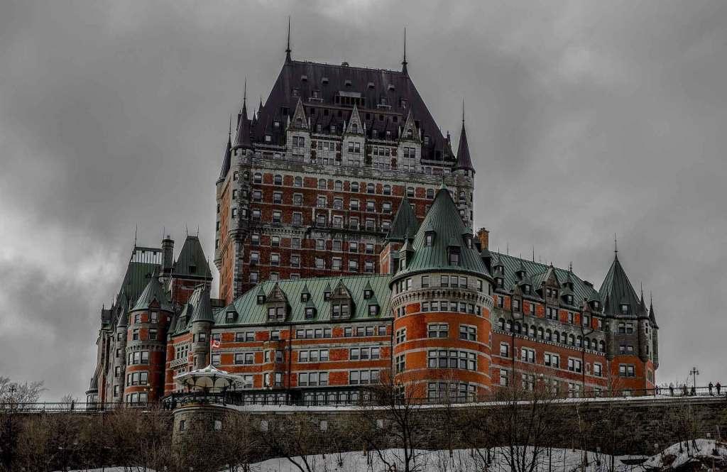 Quebec 2. Infinite Joy. Pasaporte de vacunación.