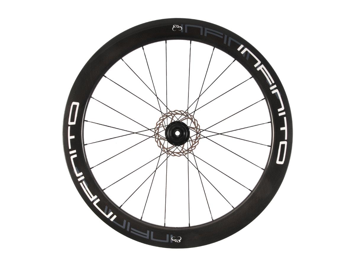 https://infinito-cycling.com/wp-content/uploads/2019/02/D6T-Witte-velg-Zwarte-naaf-Rear-1.jpg