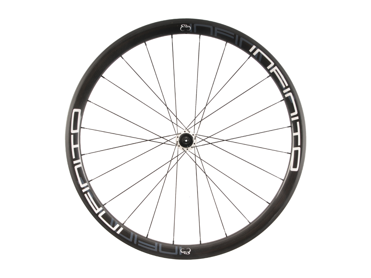 https://infinito-cycling.com/wp-content/uploads/2019/02/R4C-Witte-velg-Witte-naaf-Rear-1.jpg
