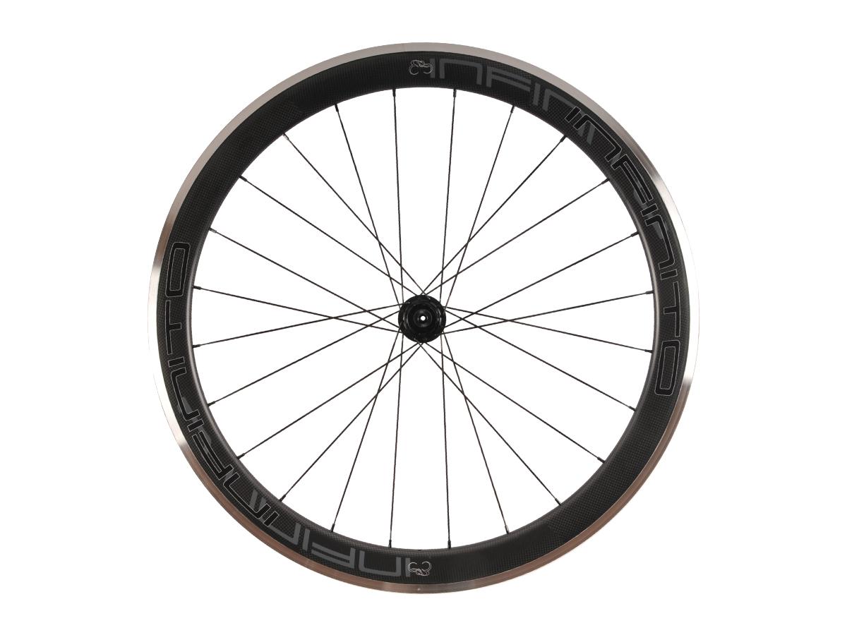 R5AC – Zwarte velg – Zwarte naaf – Rear – 1