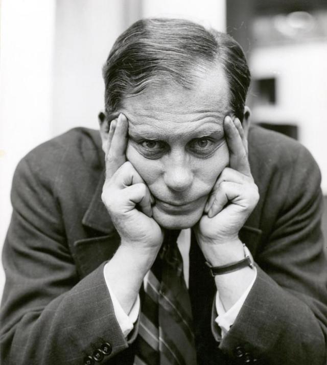 O (possivelmente) mais famoso retrato que chegou aos nossos dias de Walter Gropius, por Lucia Moholy | LUCIA MOHOLY