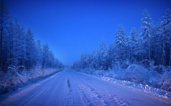 oymyakon-village-in-russia-by-amos-chapple-6-677x423