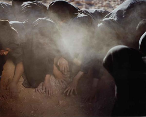 Passage Series faz parte das obras de Shirin Neshat, representada na Paris Photo pela Galeria Filomena Soares  Shirin Neshat/Galeria Filomena Soares