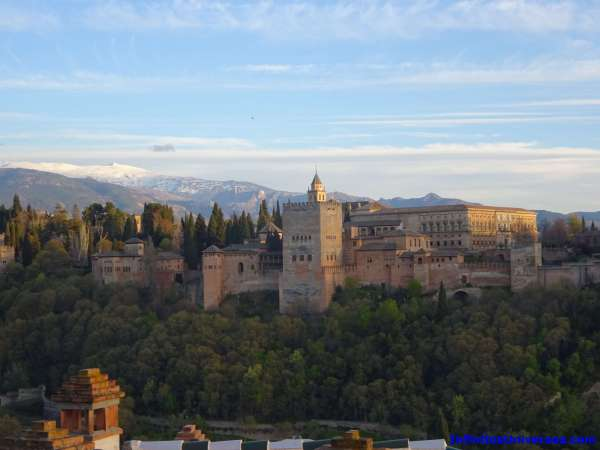 10 cosas que ver y hacer en Granada: Visitas imprescindibles y consejos
