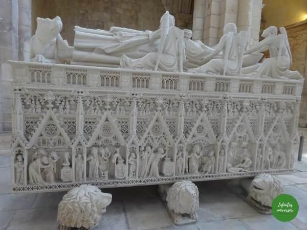Tumba real Monasterio deAlcobaça