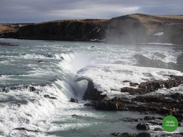 Urridafoss  urridafoss seljalanfoss Urridafoss, Seljalandfoss, Skogafoss, Glufrafoss y Glugglafos cascadas del sur de islandia