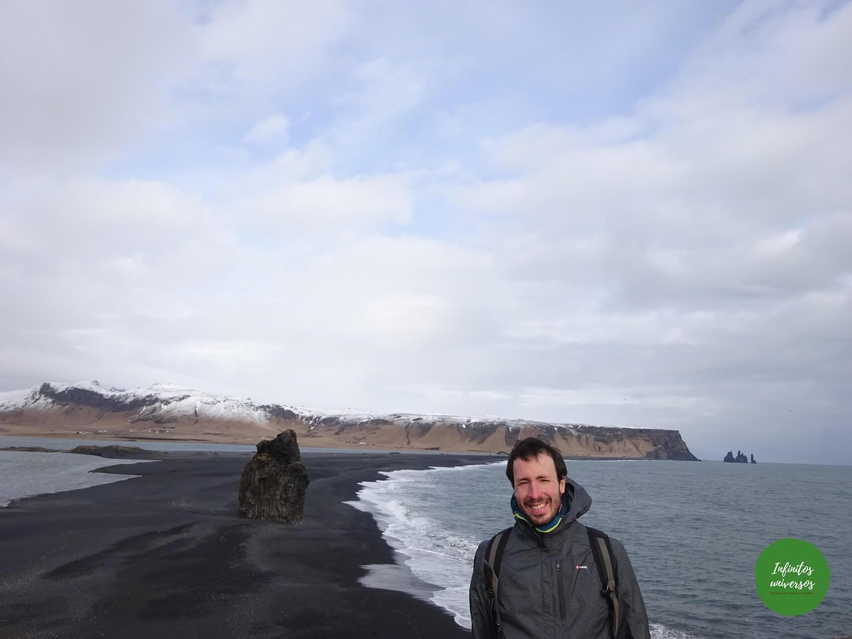 Que ver en Vik islandia: acantilado Dyrhólaey y la playa de arena negra Reynisfjara dyrhólaey vik islandia