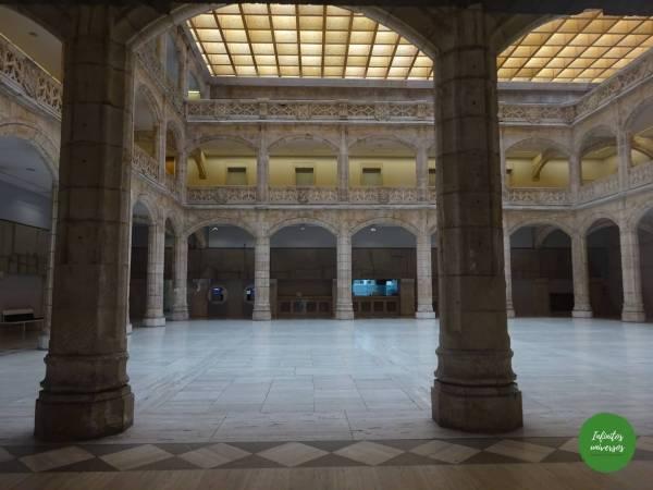 Casa del Cordón  - Qué ver en Burgos en un día  que hacer en burgos castilla y leon