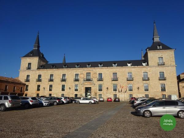 Plaza Mayor y Palacio Ducal