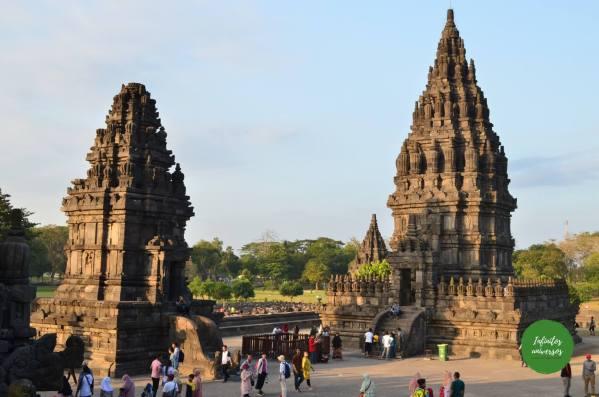 Visita al templo de Prambanan (Isla de Java)